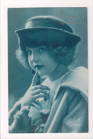Misc - Cyanotype - Innocent looking Young lady hand to chin - Bleuet - 500853