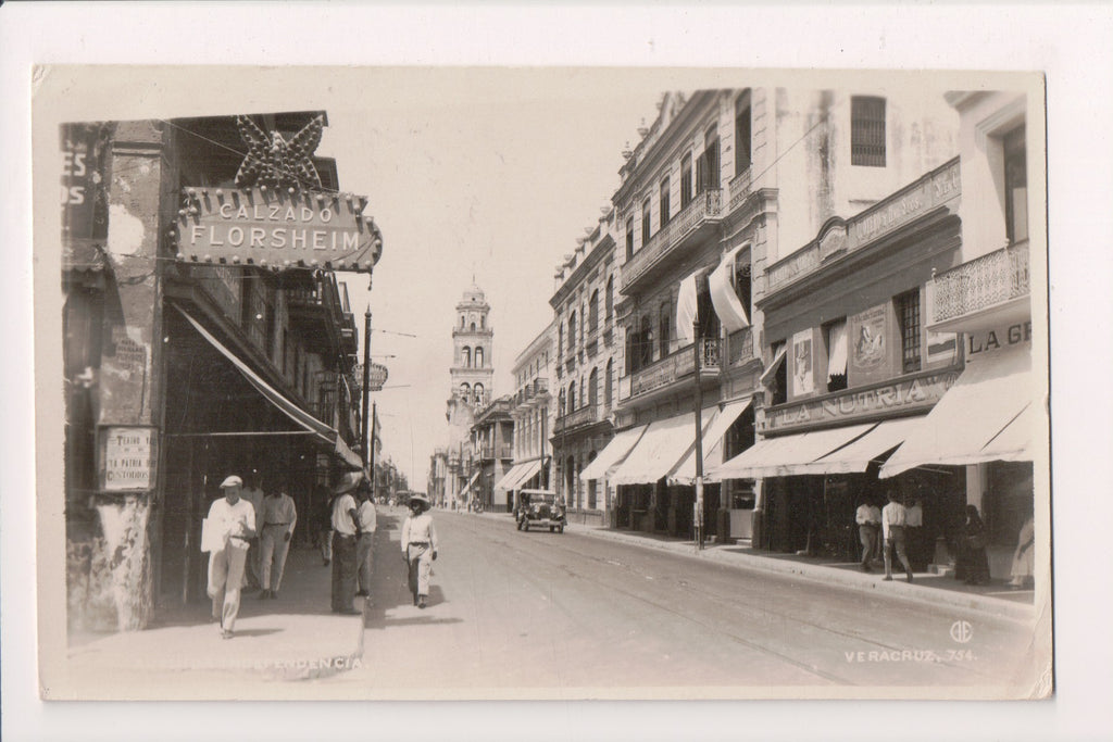 Foreign postcard - Veracruz, Mexico - RPPC - Street view with signs - E05016
