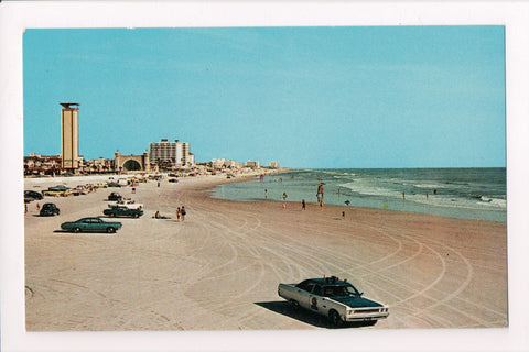 FL, Daytona Beach - Cars on Beach including cop car postcard - G06152