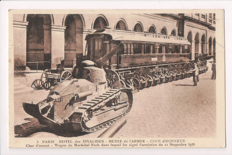 Misc Military - funny, old tank, rail car where L'armistice signed - w02823