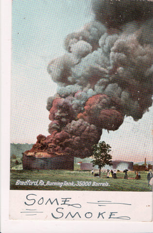 PA, Bradford - Burning Tank, 35,000 Barrels, people - G18032