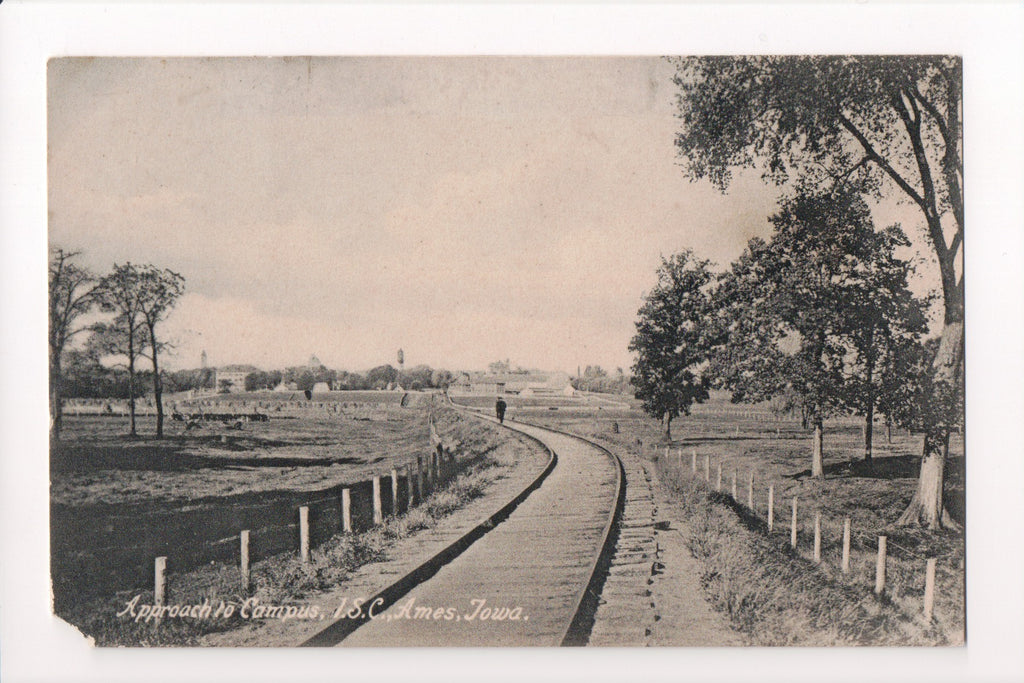 IA, Ames - ISC approach to Campus, railroad tracks (ONLY Digital Copy Avail) - w00694