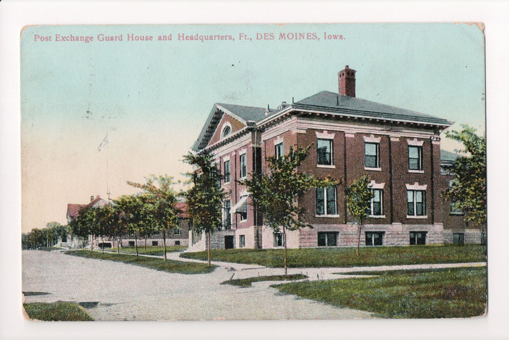 IA, Des Moines - Post Exchange Guard House, Headquarters - K04026