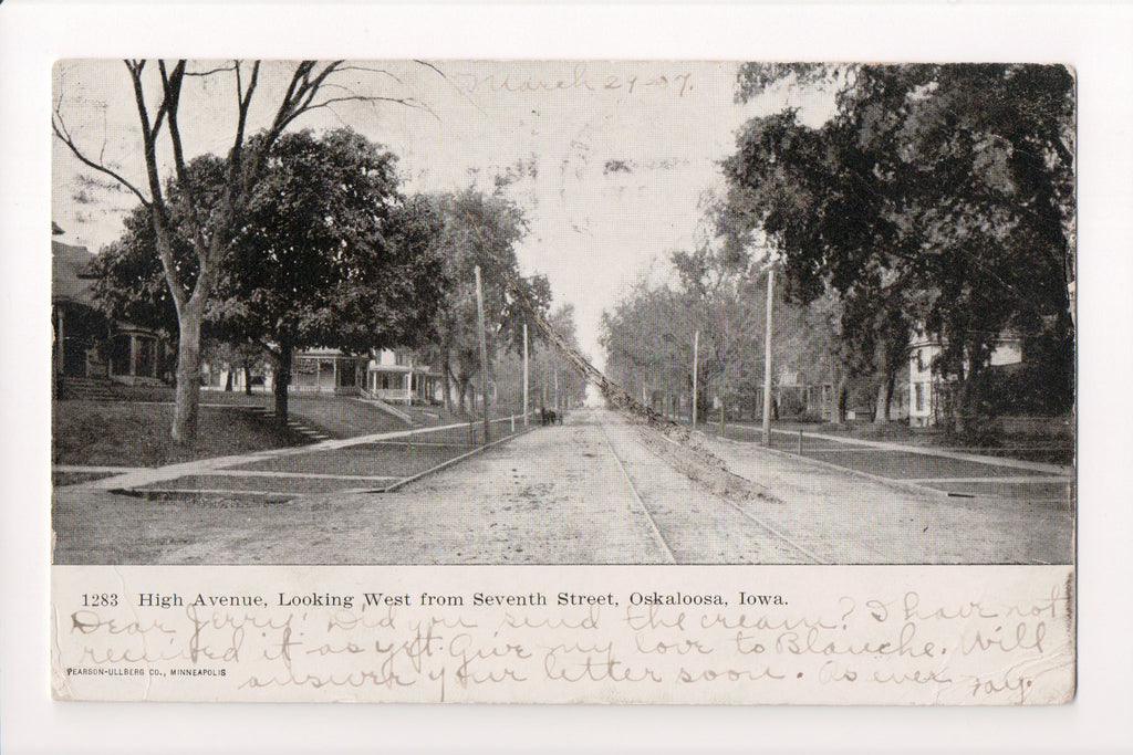 IA, Oskaloosa - High Avenue, west from Seventh St - H03070