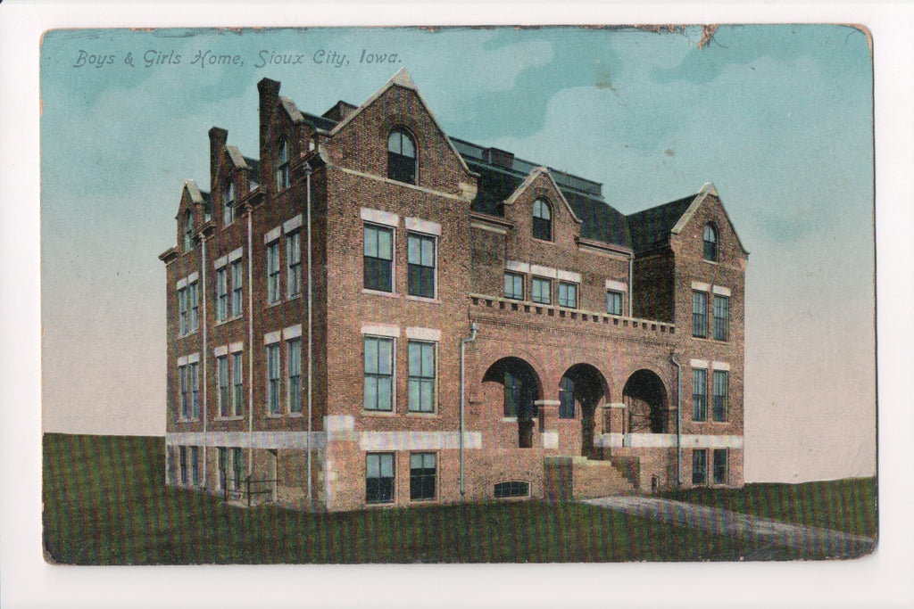 IA, Sioux City - Boys and Girls Home postcard - G03346
