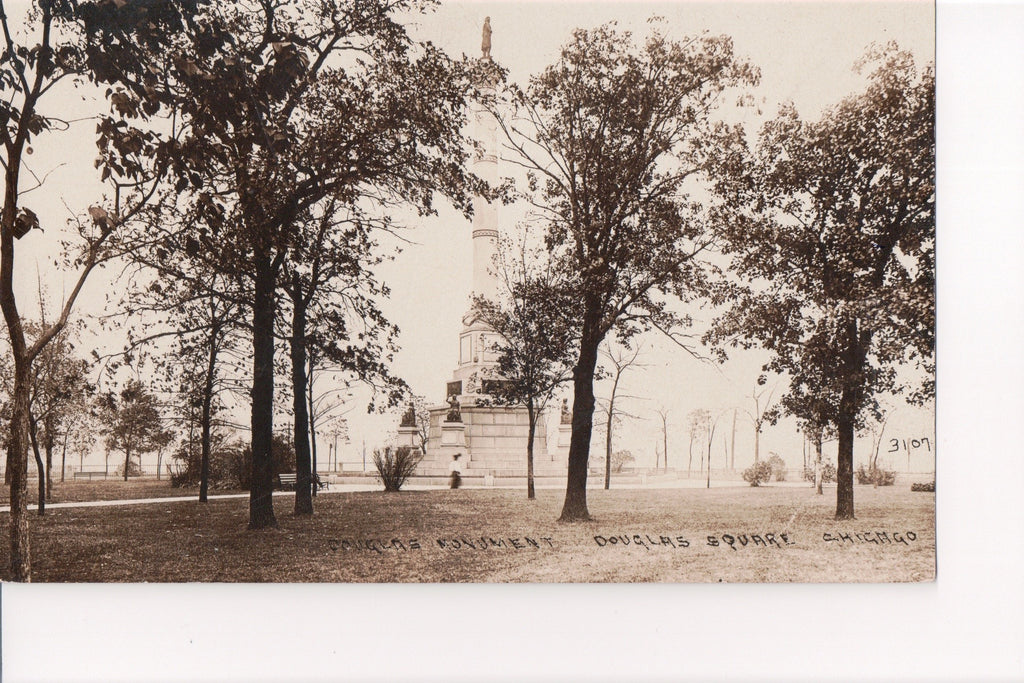 IL, Chicago - Douglas Square, Monument (ONLY Digital Copy Avail) - w02990