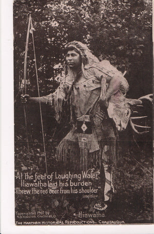 Indian postcard - Hiawatha, large bow, deer on shoulder - B08144