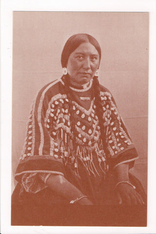 Indian postcard - Blackfeet woman of Montana in finery - CP0407