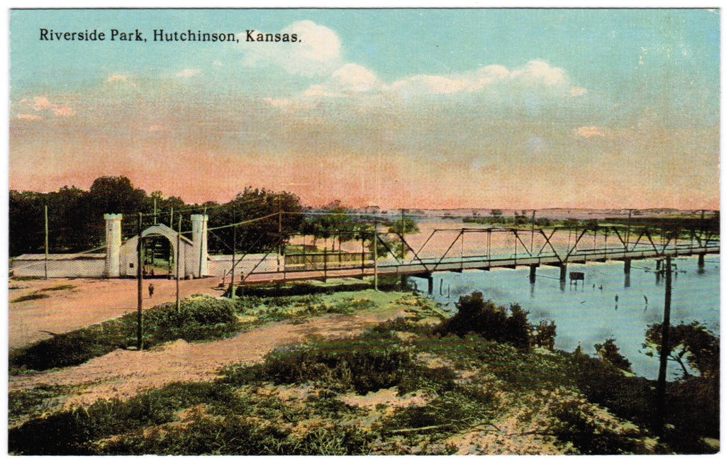 KS, Hutchinson - Riverside Park, bridge - G03310