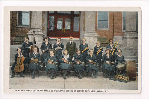 KY, Lexington - Odd Fellows Home, Girls Orchestra members up close - C17743