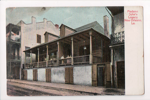 LA, New Orleans - Madam Johns Legacy, girls on balcony - MB0612