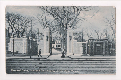 MA, Cambridge - Harvard - Harvard Gate - CAMBRIDGE STATION flag w/2 - w02559