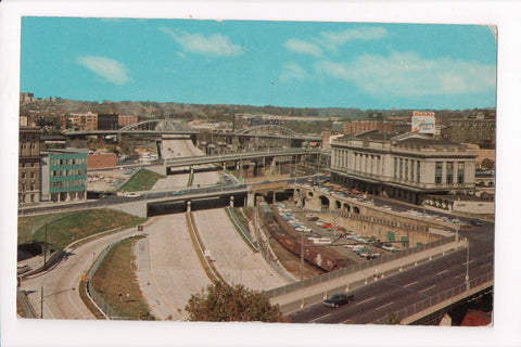 MD, Baltimore - Jones Falls Expressway, Railroad Station - B17265
