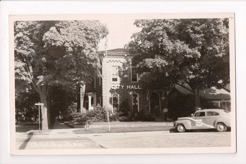 MI, Charlotte - City Hall, Police car with siren on top - 1950 RPPC - G06037