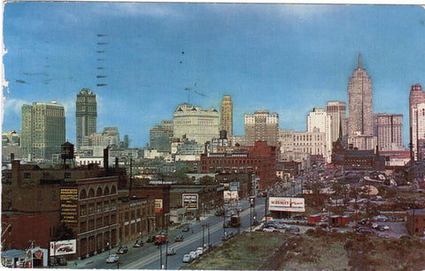 MI, Detroit - Skyline view, Gulf, Shenley and a few other signs - MI0026