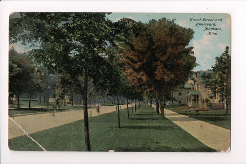 MN, Mankato - Broad Street and Boulevard - w03537