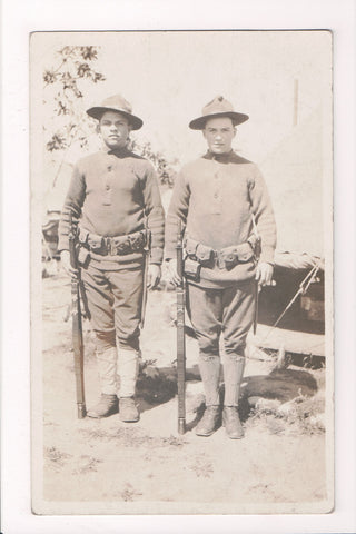 MISC - Military Men in uniform, gun, scabbard, WWI - RPPC - cr0110