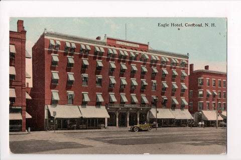 NH, Concord - Eagle Hotel, bank to the left - D05368