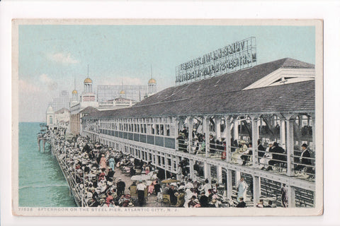 NJ, Atlantic City - Steel Pier crowds postcard - CP0317
