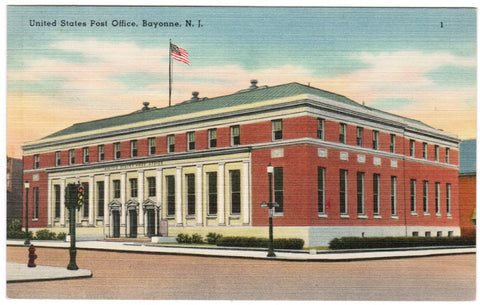 NJ, Bayonne - Post Office postcard - w01980
