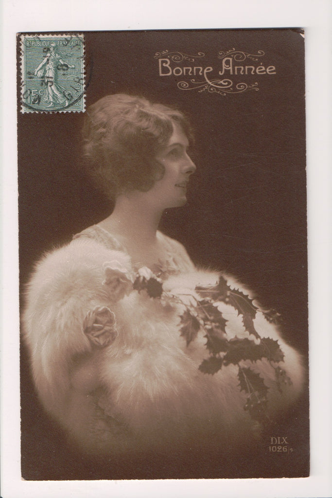 People - Female postcard - Pretty Woman - DIX RPPC - white fur - NL0201