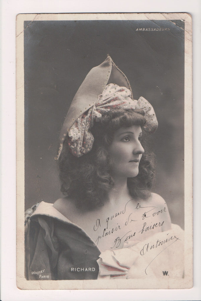 People - Female postcard - Pretty Woman - WALERY RPPC - Ambassadeurs - NL0205