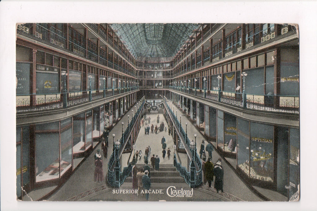 OH, Cleveland - Superior Arcade interior - Optician on window - B17169