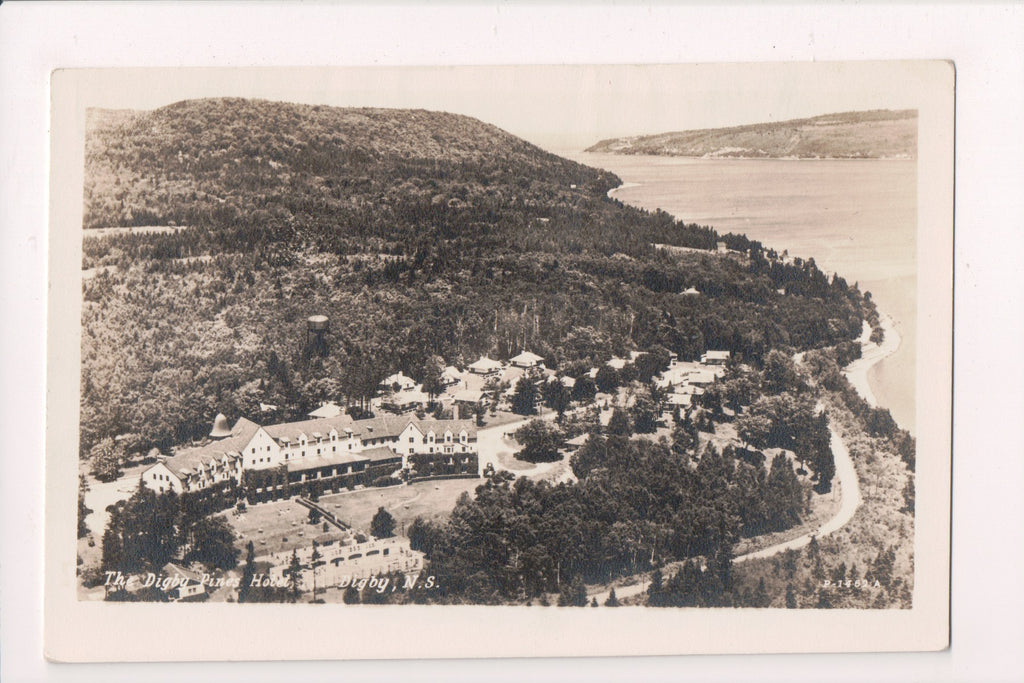 Canada - Digby, NS - Digby Pines Hotel - RPPC postcard - R00523