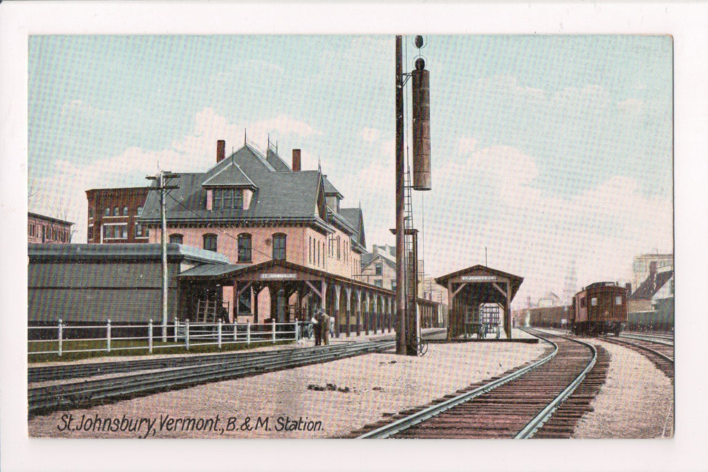VT, St Johnsbury - B and M Train Station and watering contraption? - SH7080