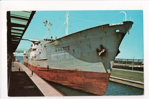 Ship, Boat or Steamer Postcard - ANETTE - Cargo Ship - F17052