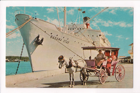 Ship, Boat or Steamer Postcard - BAHAMA STAR - Cruise Ship - w00008