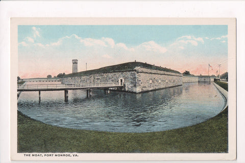 VA, Fort Monroe - The Moat, main sallyport - vintage postcard - C06774