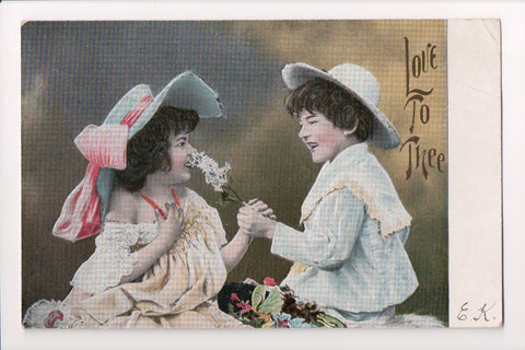 Valentine - Boy and girl with large hats - KViB 12 Serie 650 postcard - G03006