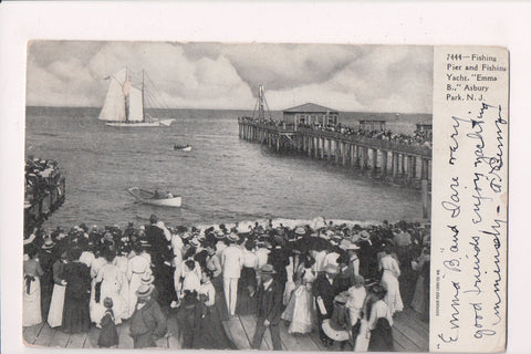 NJ, Asbury Park - Emma B Fishing Yacht, Pier, crowds - w03512