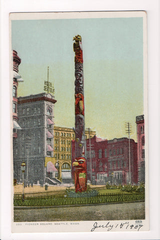WA, Seattle - Pioneer Square, large totem pole, Hotel Seattle - CP0187