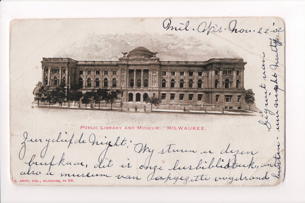 WI, Milwaukee - Public Library, Museum postcard - CP0203