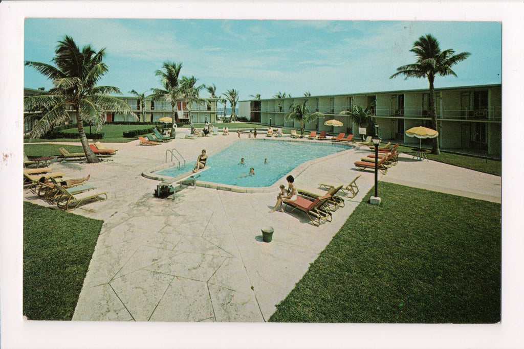 FL, Riviera Beach - HOLIDAY INN postcard - 2700 Ocean Drive - w00427