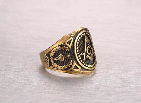 GOLD COLOR FREEMASON RING - STAINLESS STEEL WITH CLASSIC CENTER DESIGN, PIN STRIPES, ETCHED TOOL SYMBOLS (MASONIC RINGS)
