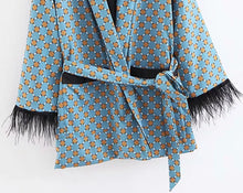 Load image into Gallery viewer, EVALYN Women's Feather Detailed Kimono Two Piece Set