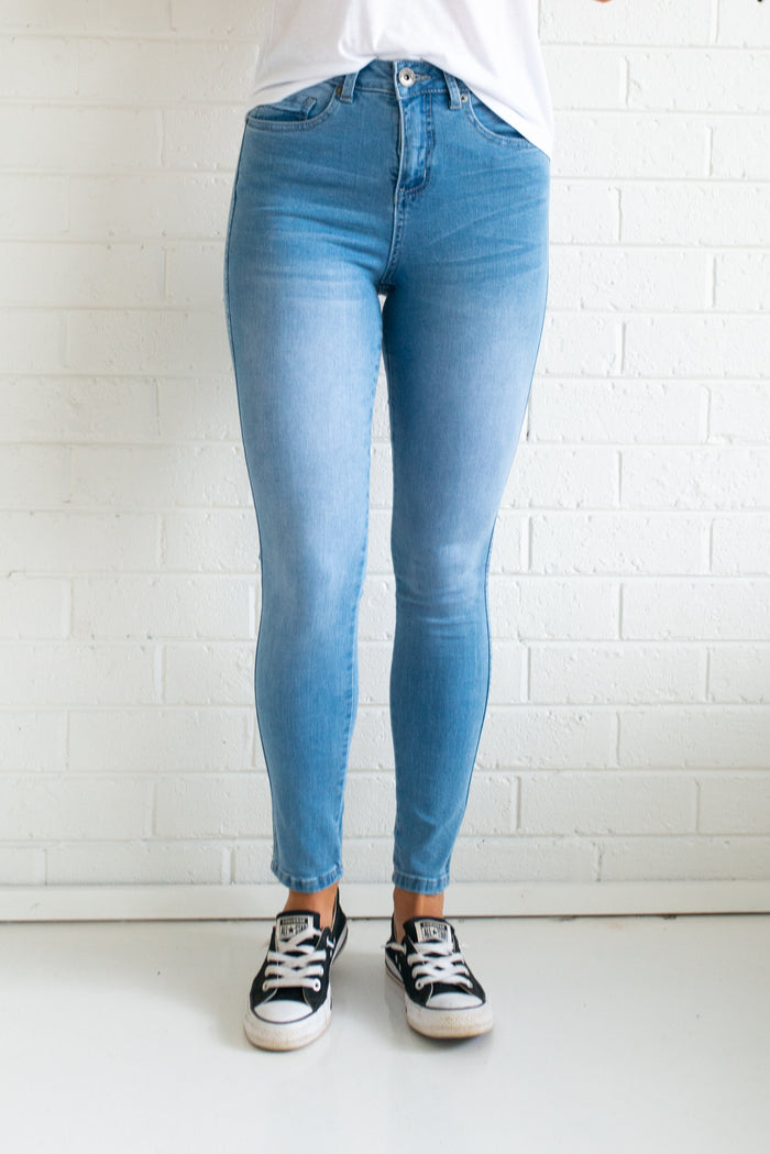 Khloe Jeans - Light Blue - Betty Lane