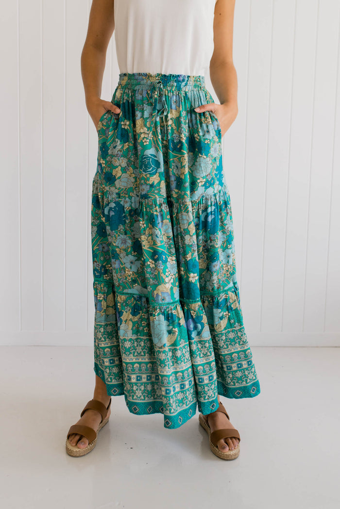Womens blue floral vintage skirt
