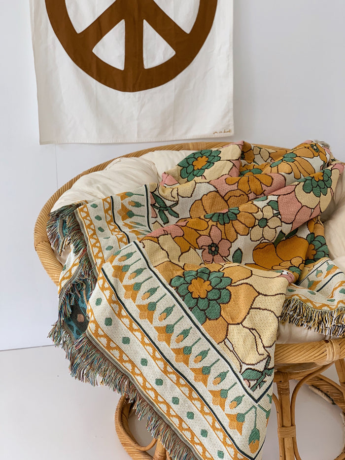 Zinnia Throw Rug [PRE ORDER] - Betty Lane