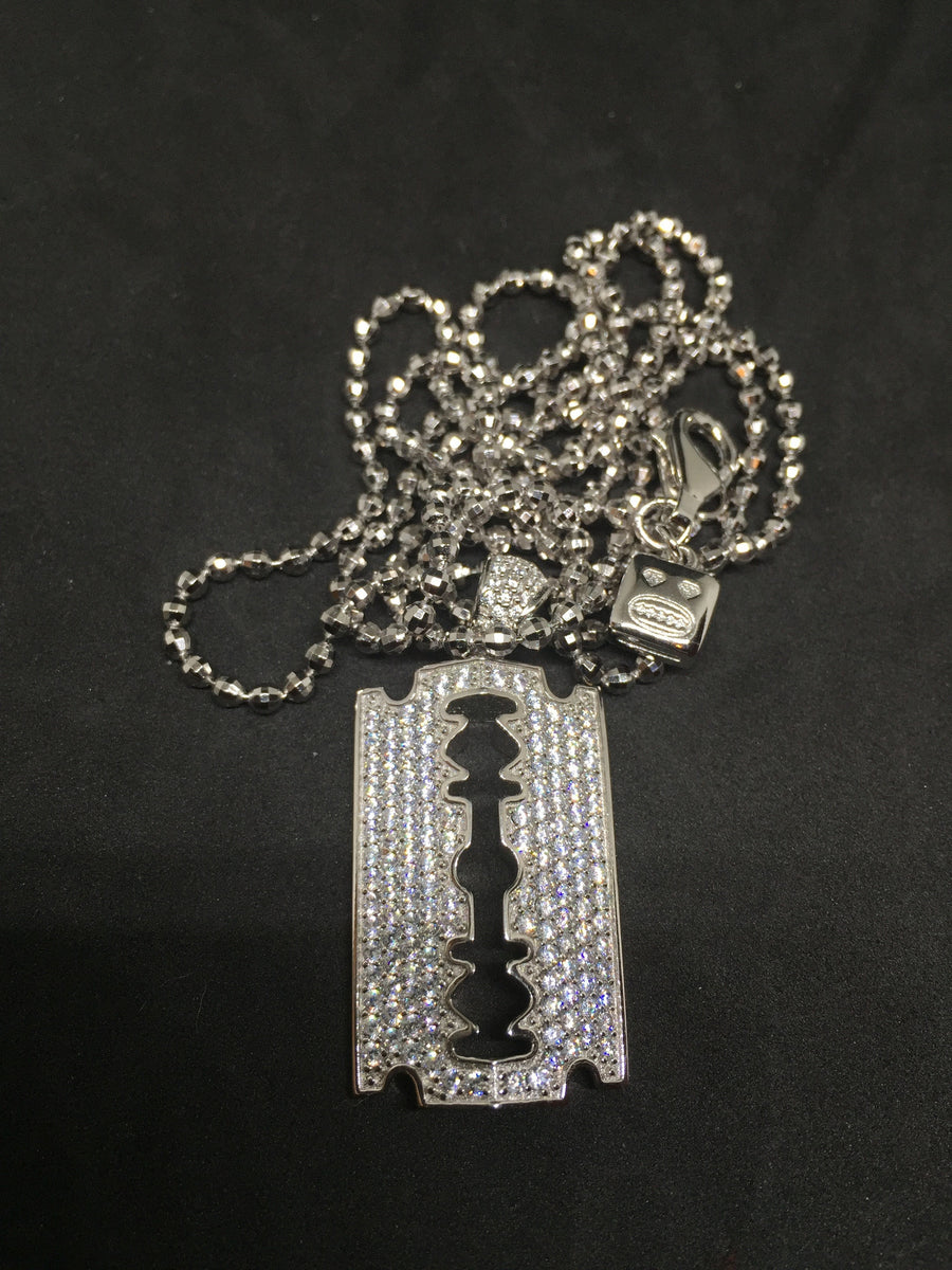 Razor Micro pendant (Silver with chain)