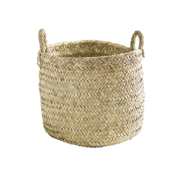 Weaved basket with handles