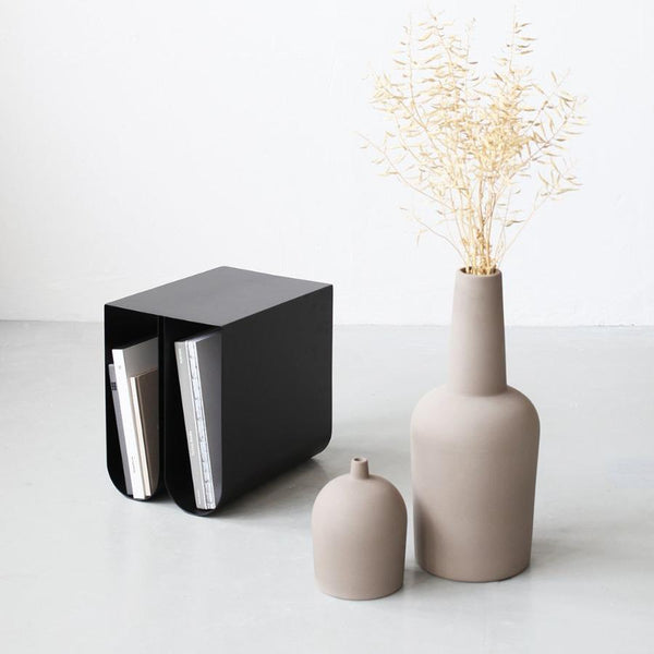 vase terracotta beautiful grey engobe glazed inside waterproof floor vase stylish modern danish design decorative põrandavaas hall moderne dekoratiivne