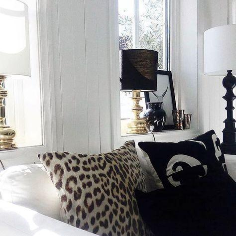 cushion pillow linen panther with feathers decorative soft stylish padi panter animal pattern linane dekoratiivne looma muster