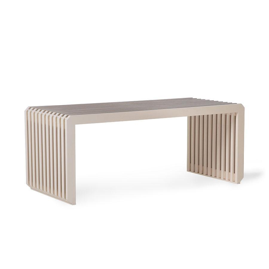 bench design element slatted sungkai wood color sand modern multifunctional beautiful shape striped pink triibuline lippidest puidust liivakarva moderne