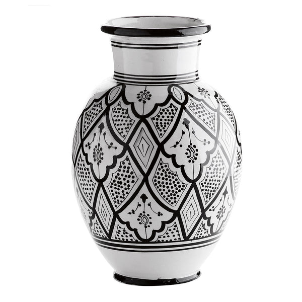 Vase w. traditional Morocco pattern