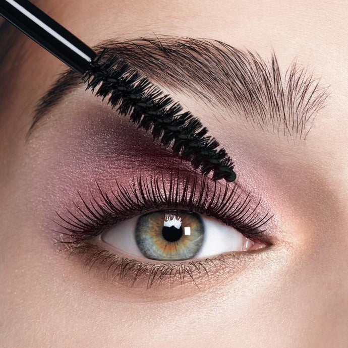 TIPS TO KEEP YOUR LASHES HEALTHY