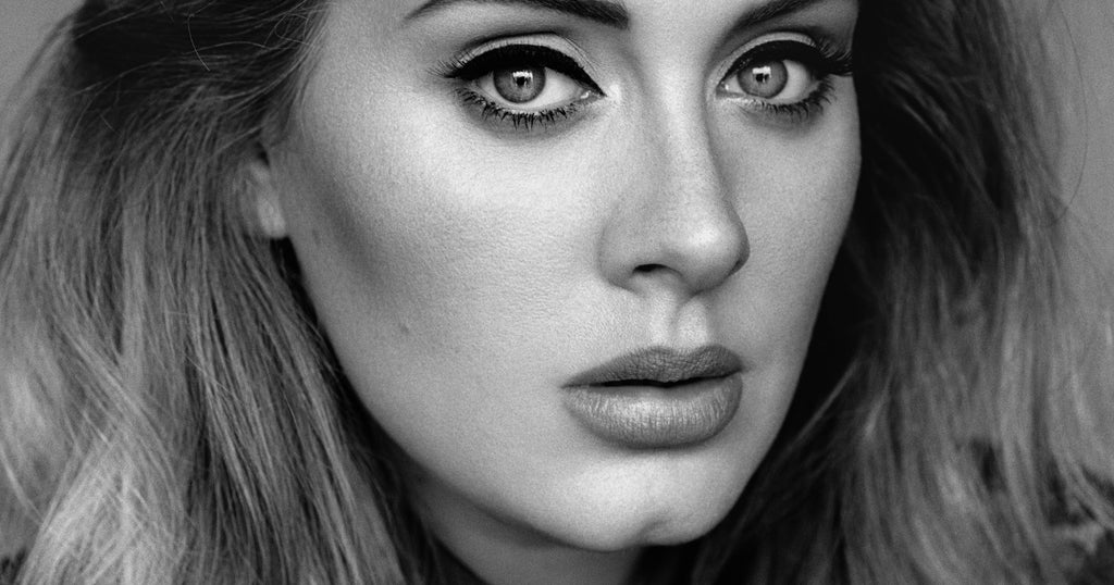 The Secret to Adele's signature Cat Eye Has Been Revealed.